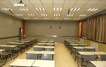 录播教室装修建议及录播系统的灯光吸音处理技巧